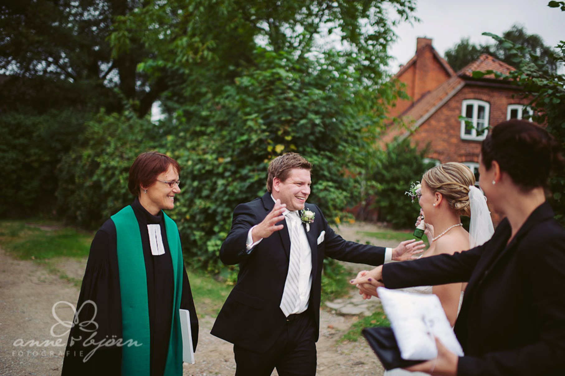 0044 cup aub 21690 1 - Conny und Philipp - Hochzeit im Hotel Waldhof auf Herrenland