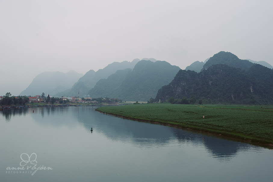0025 vietnam ii aub 21706 - Vietnam 2013 - Vom Schmetterlingsdschungel in unterirdische Paradiese