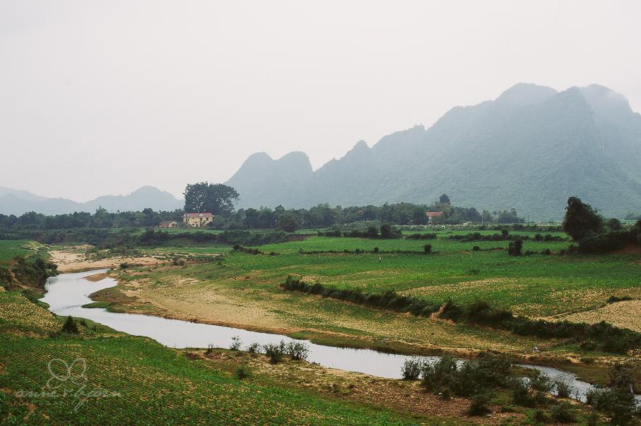 0026 vietnam ii aub 21710 - Vietnam 2013 - Vom Schmetterlingsdschungel in unterirdische Paradiese
