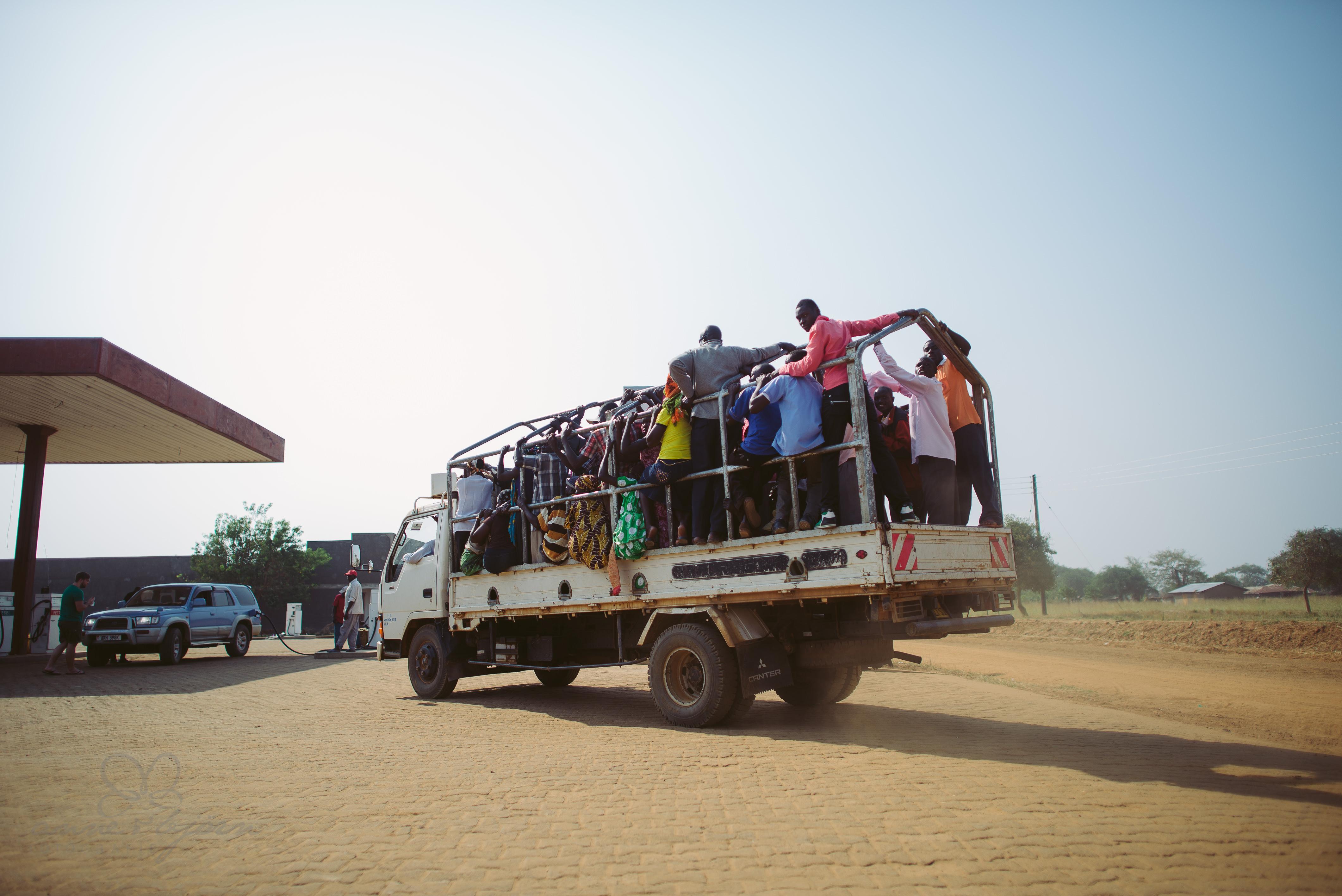 0039 uganda anneundbjoern aub 4306 2 - This is Uganda (1/2) - 2.500 km mit Jeep & Zelt durchs Land