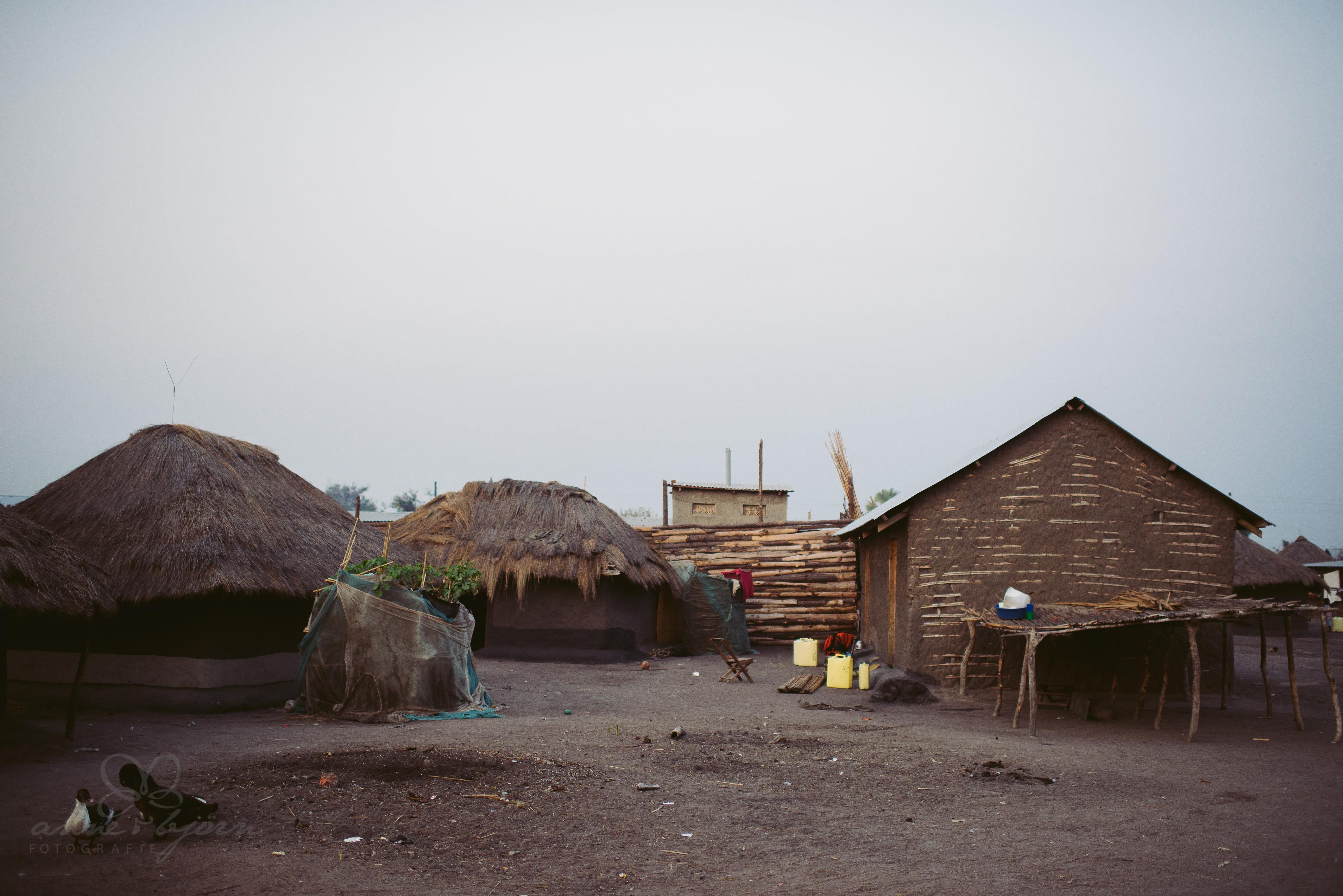 0054 uganda anneundbjoern nd6 4537 2 - This is Uganda (1/2) - 2.500 km mit Jeep & Zelt durchs Land