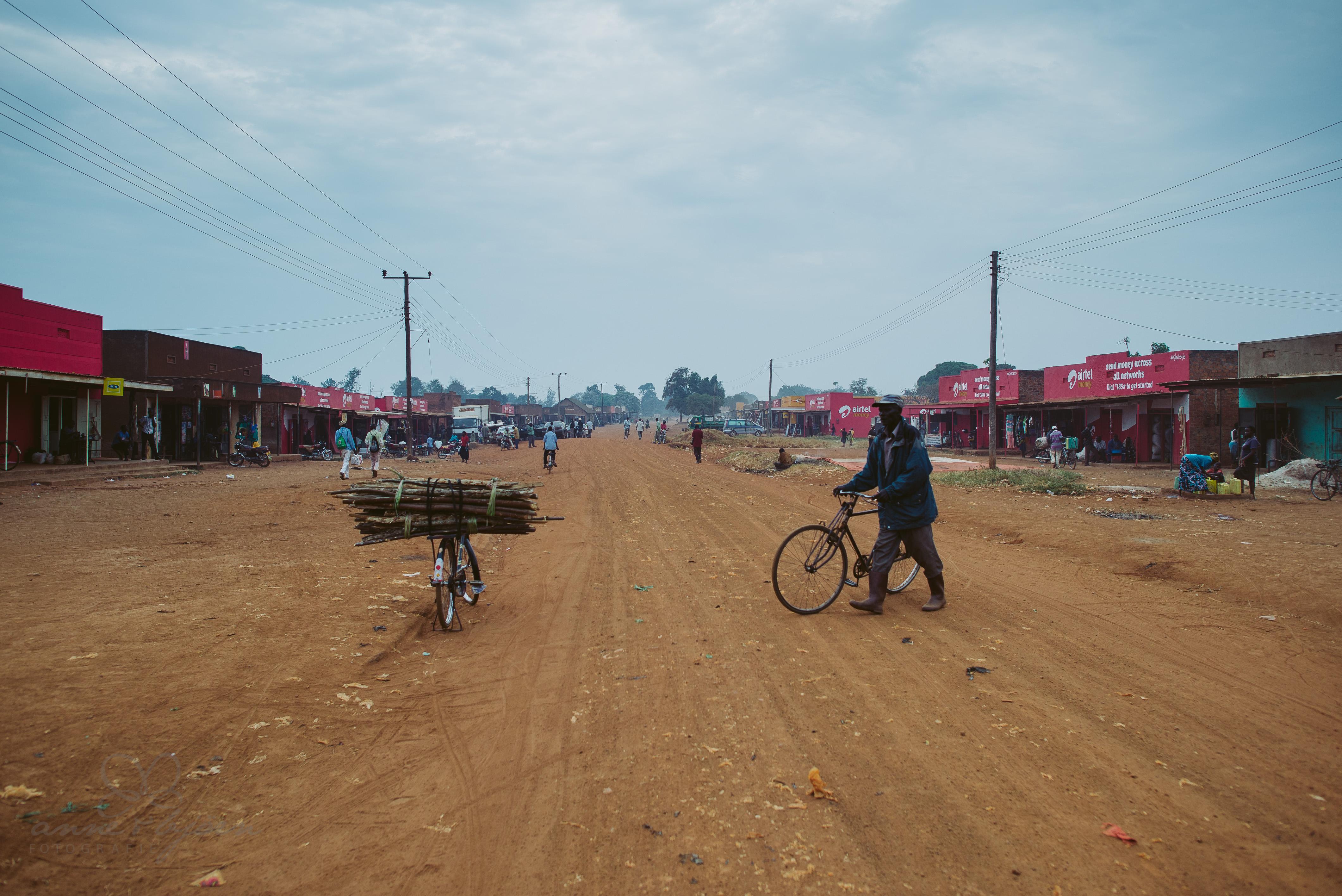 0063 uganda anneundbjoern nd6 4598 2 - This is Uganda (1/2) - 2.500 km mit Jeep & Zelt durchs Land
