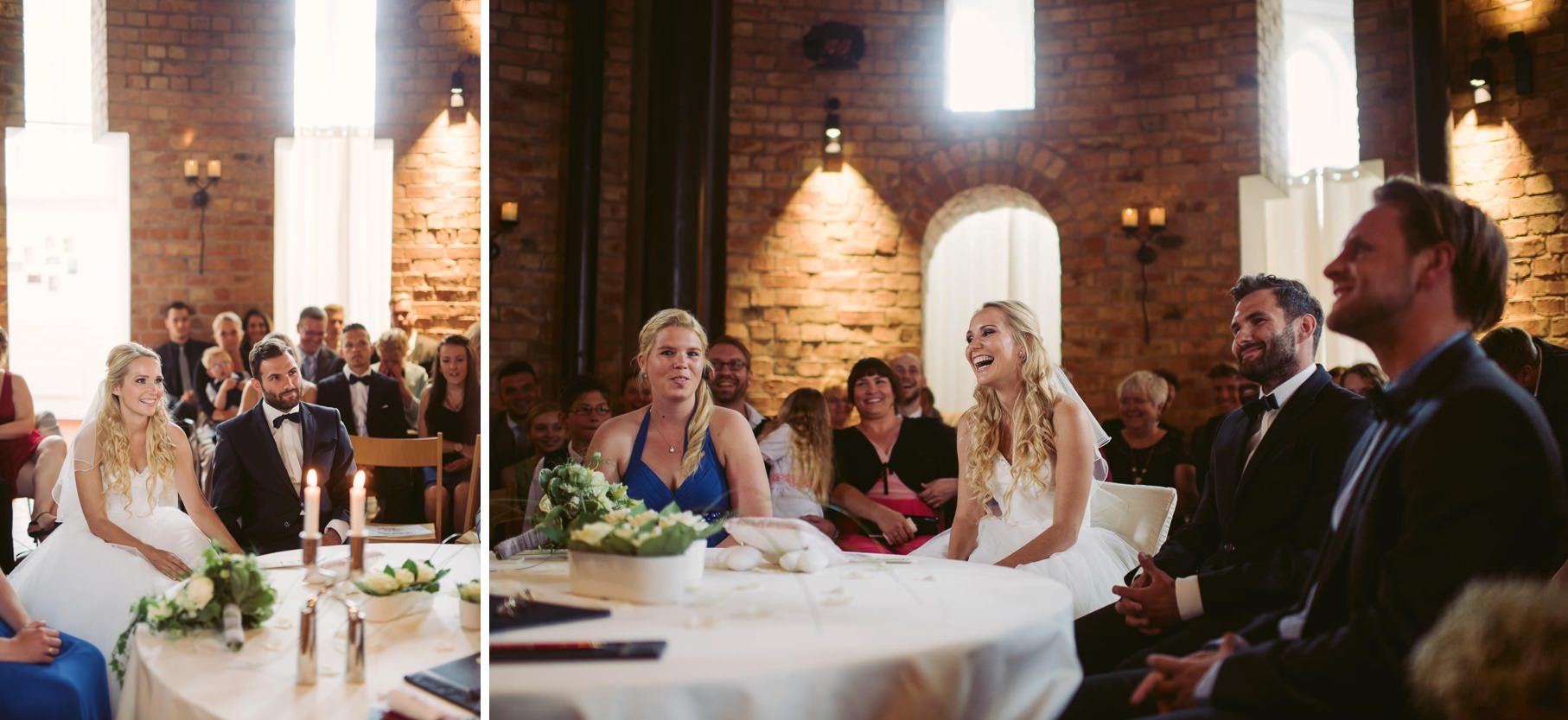 0028 jus 812 8887 - Hochzeit im Wasserturm Lüneburg - Jenny & Sascha