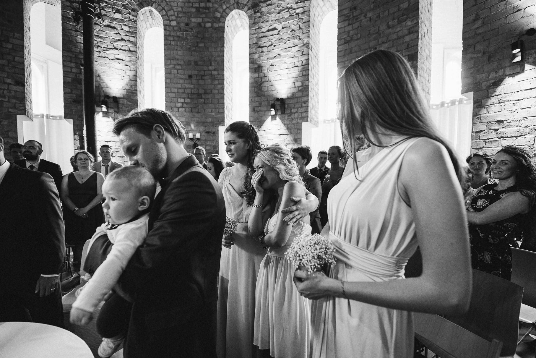 0032 jus 811 9568 - Hochzeit im Wasserturm Lüneburg - Jenny & Sascha