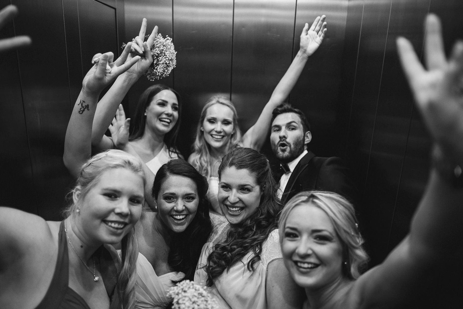 0033 jus 812 9011 - Hochzeit im Wasserturm Lüneburg - Jenny & Sascha