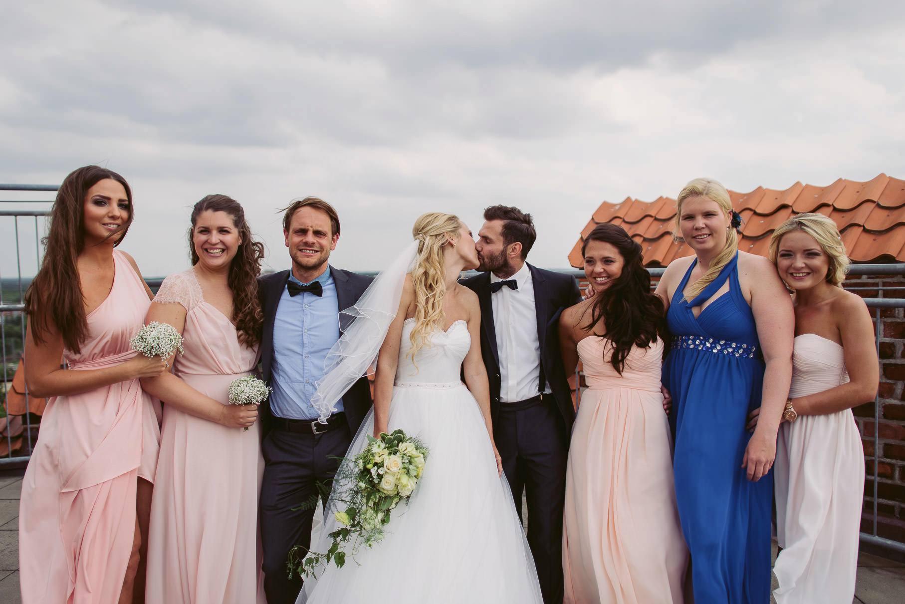 0035 jus 812 9048 - Hochzeit im Wasserturm Lüneburg - Jenny & Sascha