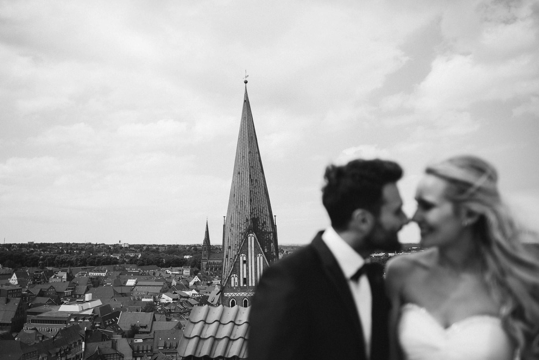 0041 jus 812 9180 - Hochzeit im Wasserturm Lüneburg - Jenny & Sascha