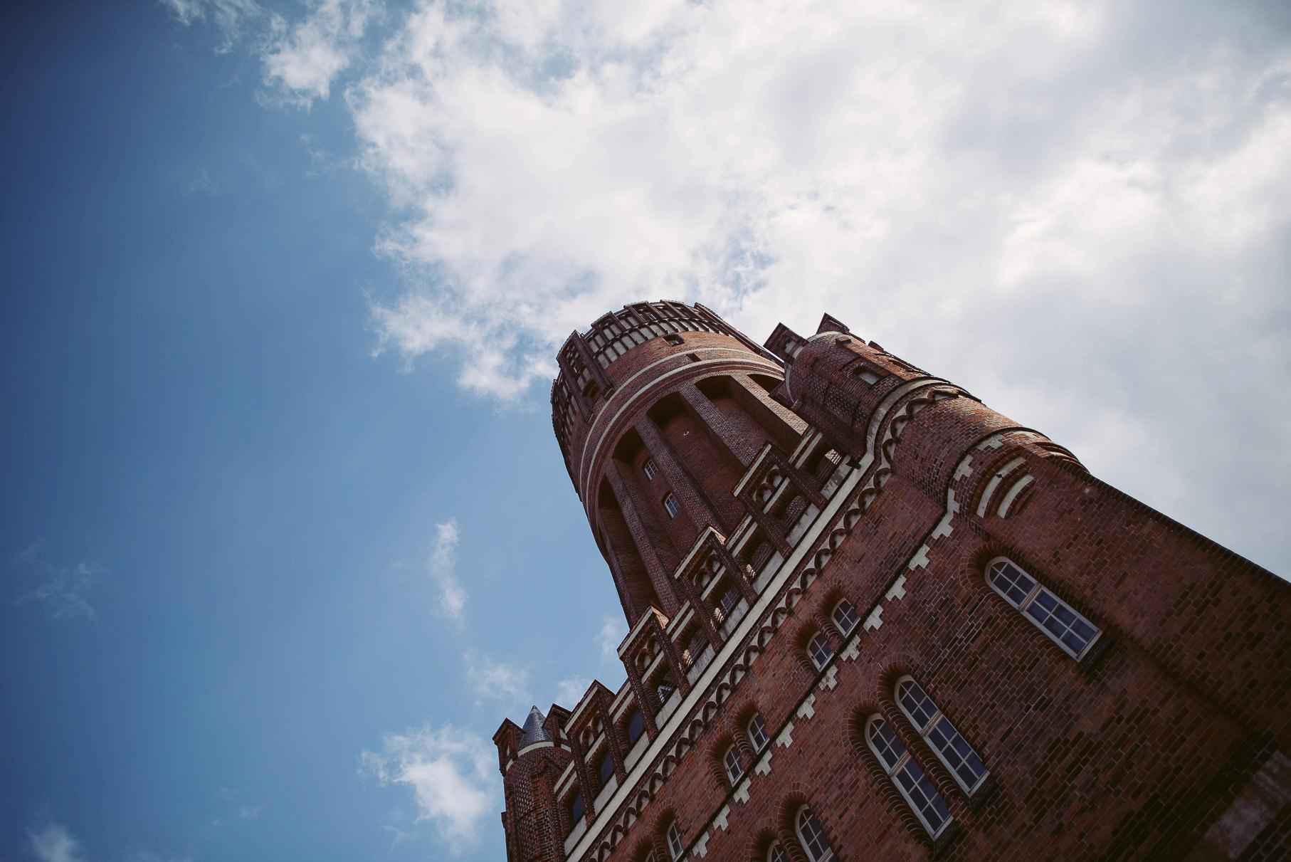 0044 jus 812 9278 - Hochzeit im Wasserturm Lüneburg - Jenny & Sascha