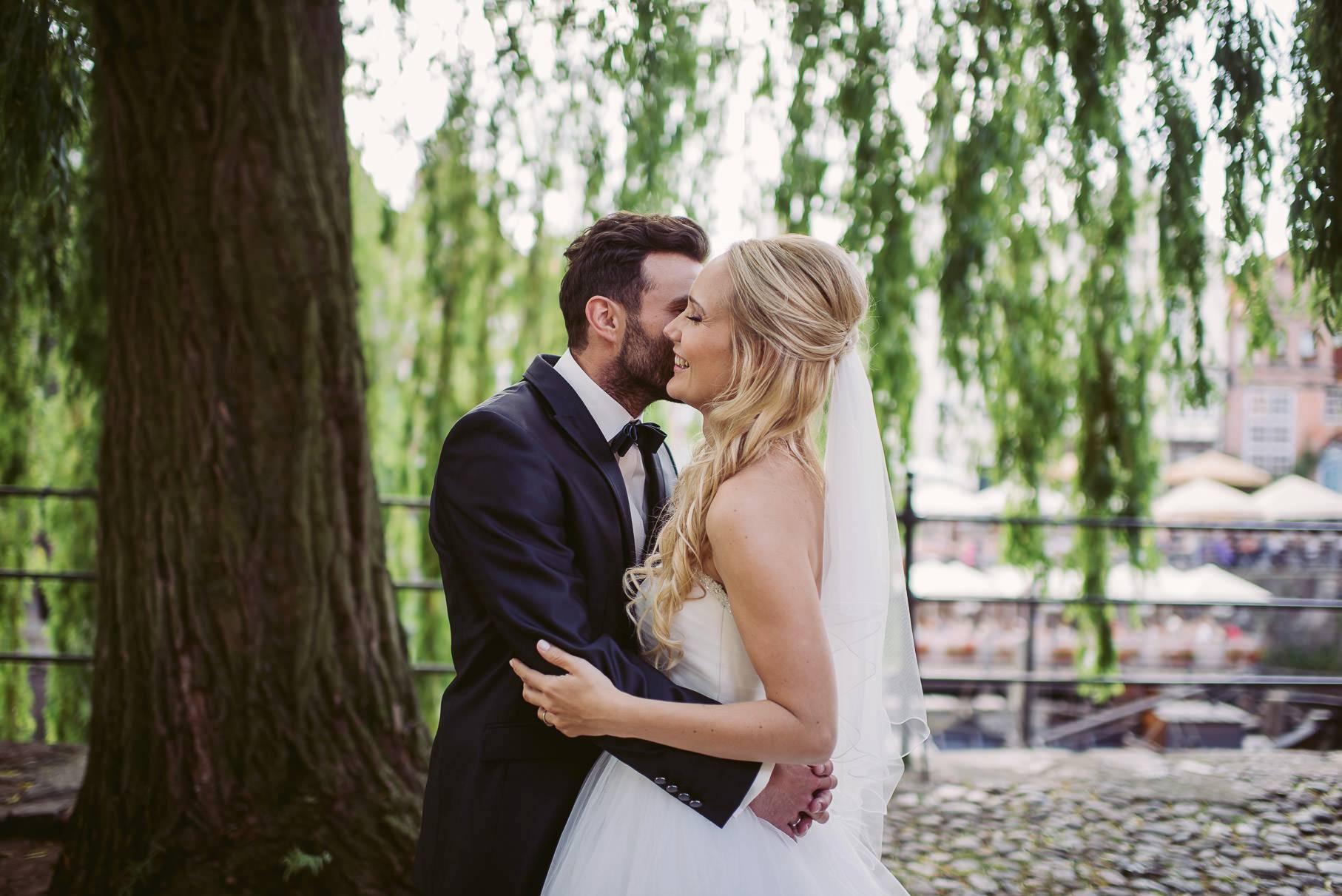 0051 jus 812 9490 - Hochzeit im Wasserturm Lüneburg - Jenny & Sascha