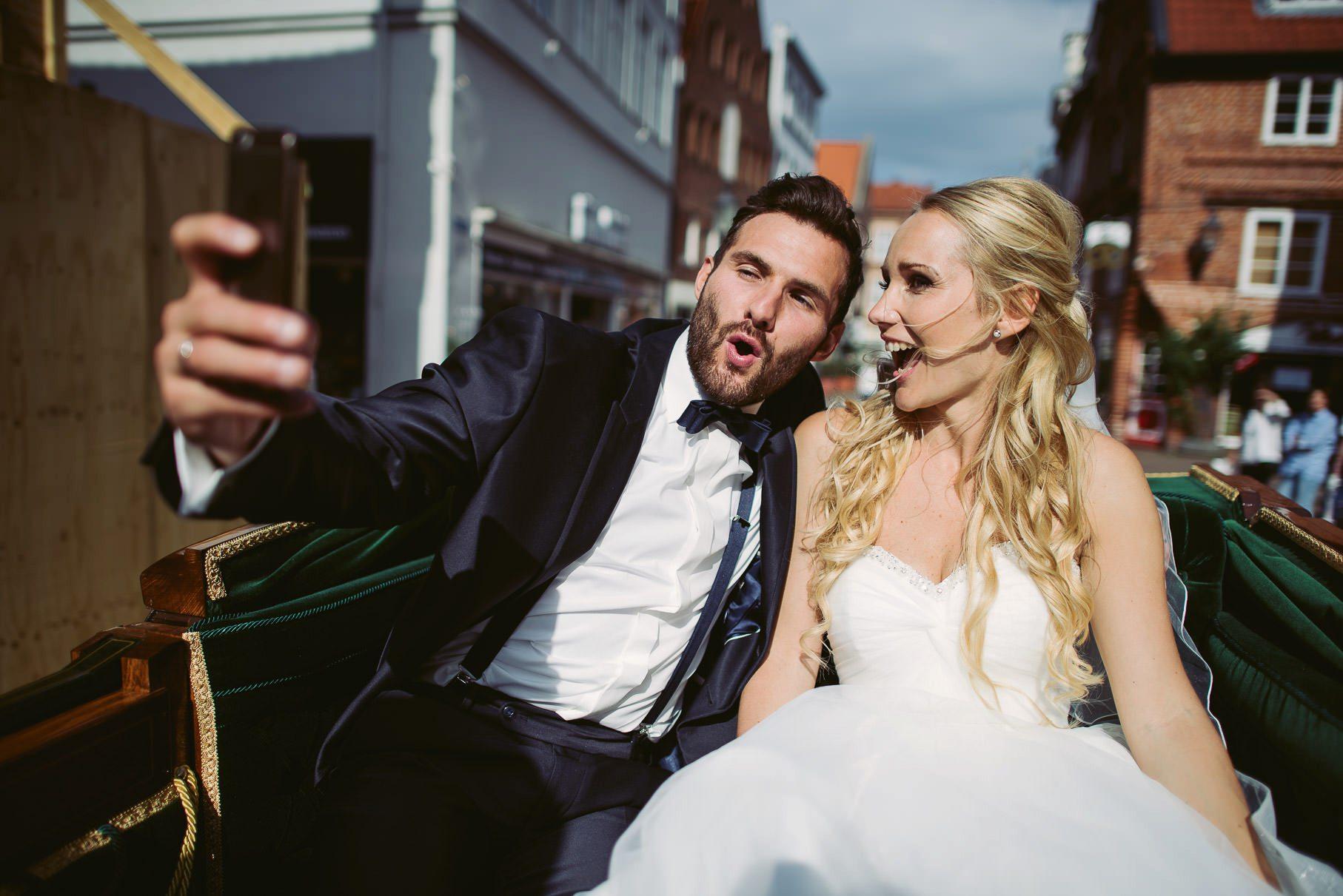 0054 jus 812 9658 - Hochzeit im Wasserturm Lüneburg - Jenny & Sascha
