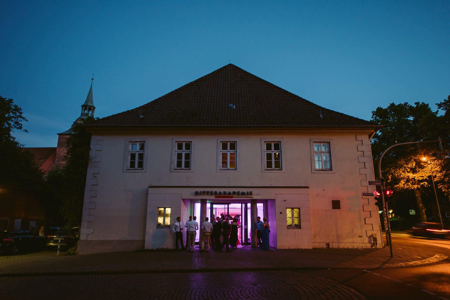 0095 jus 811 0888 - Hochzeit im Wasserturm Lüneburg - Jenny & Sascha