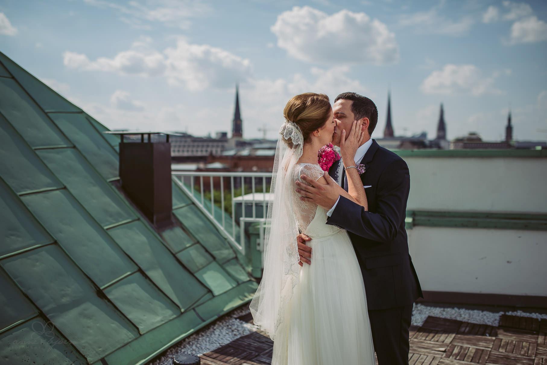 0025 aud blog 811 9935 - Hochzeit an der Hamburger Elbe - Ann-Katrin & Daniel