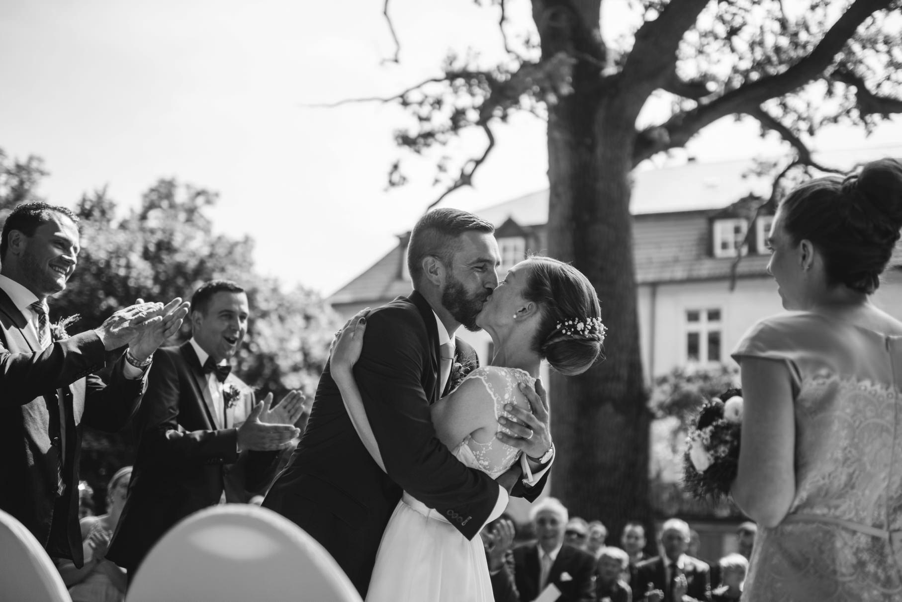 0048 schloss neuhausen hochzeitsfotograf hamburg anne bjoern - Hochzeit auf Schloss Neuhausen - Anne & Sebastian