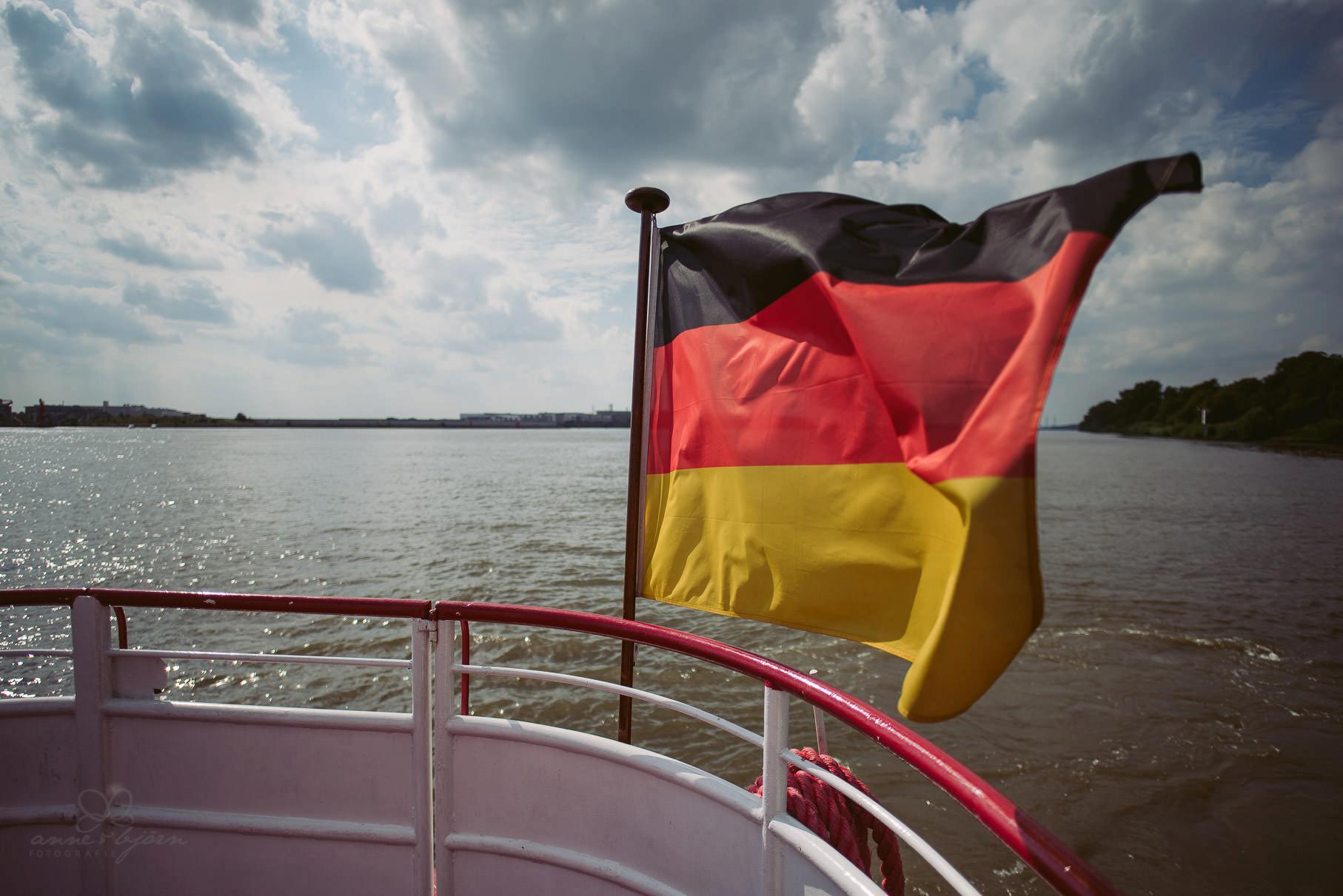 0054 aud blog 811 0458 - Hochzeit an der Hamburger Elbe - Ann-Katrin & Daniel
