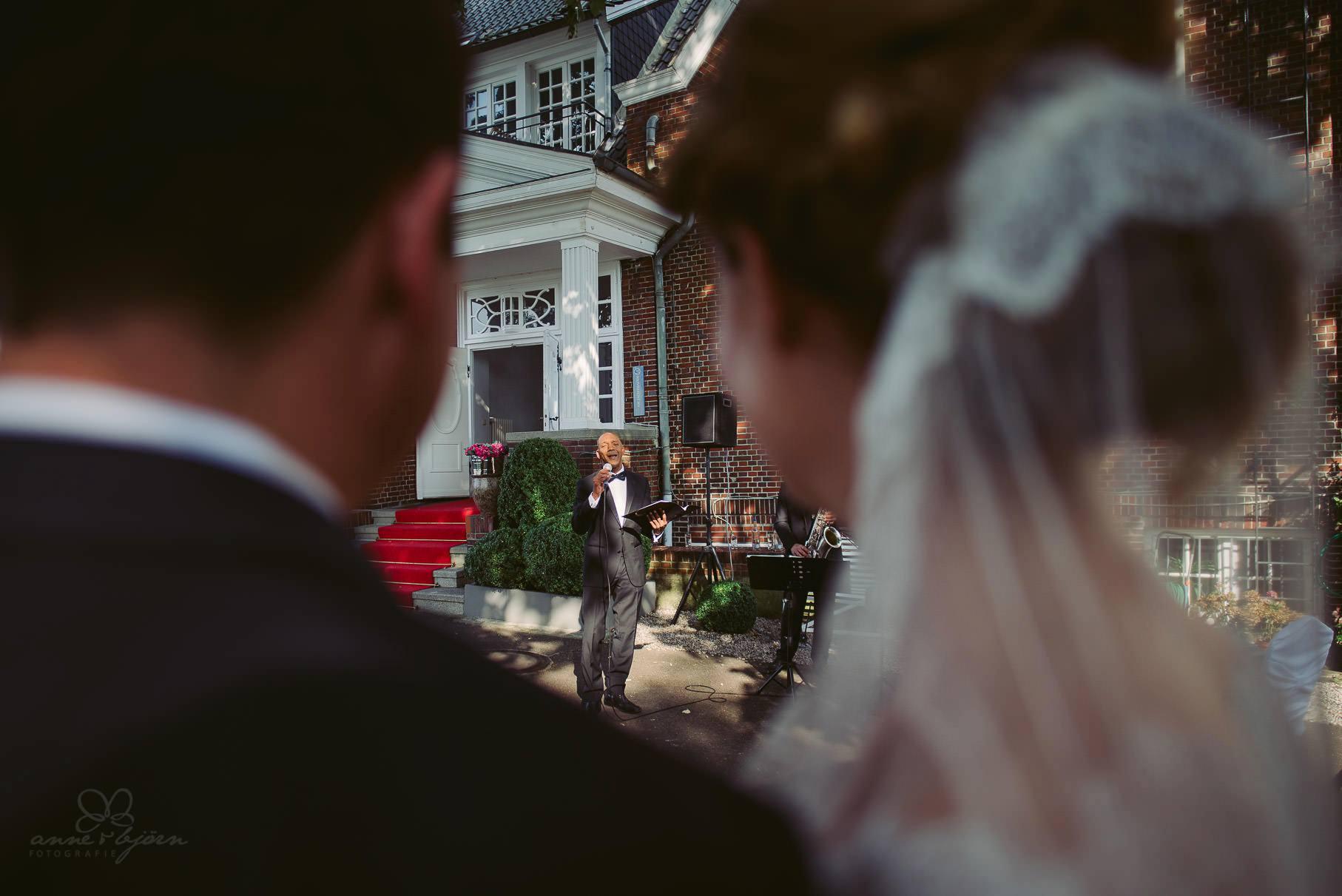 0069 aud blog d75 2418 - Hochzeit an der Hamburger Elbe - Ann-Katrin & Daniel