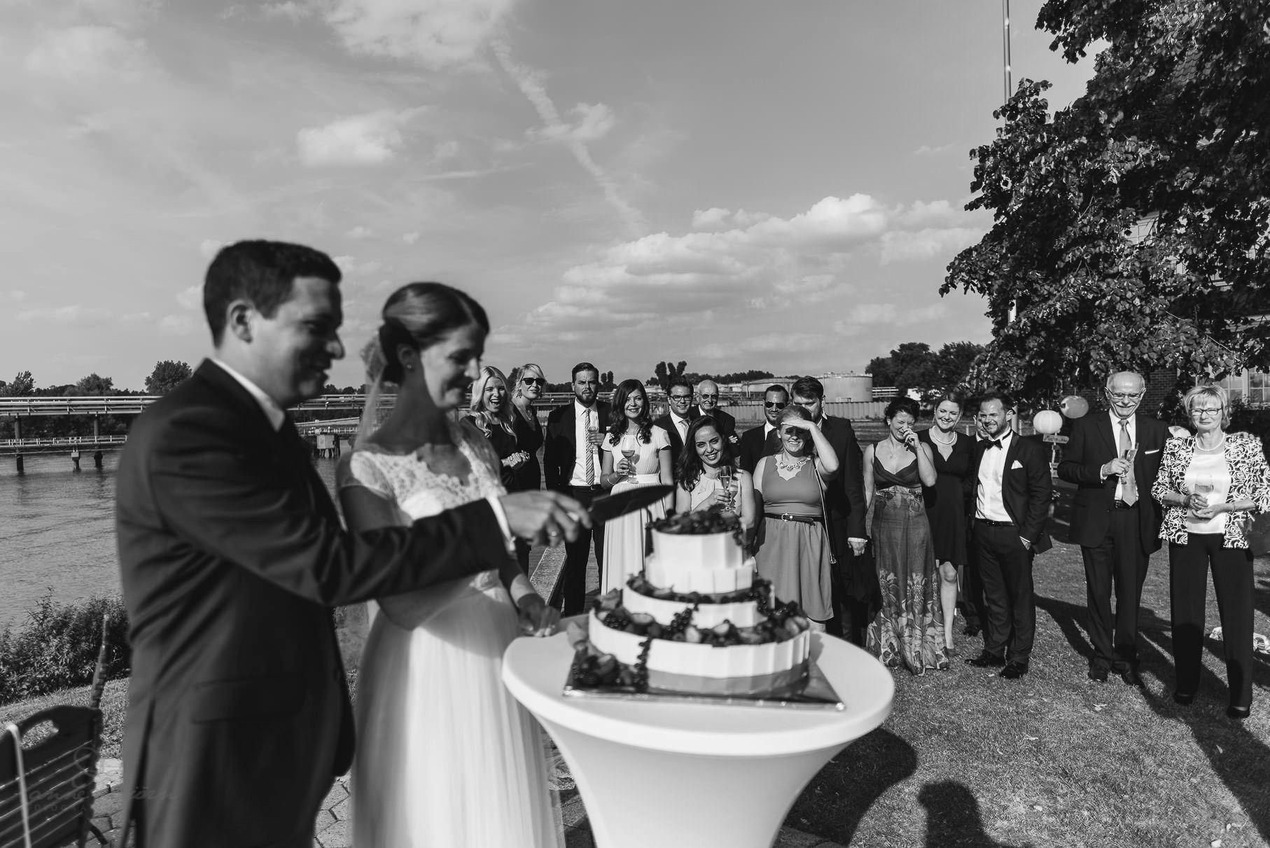 0074 aud blog 811 1059 - Hochzeit an der Hamburger Elbe - Ann-Katrin & Daniel