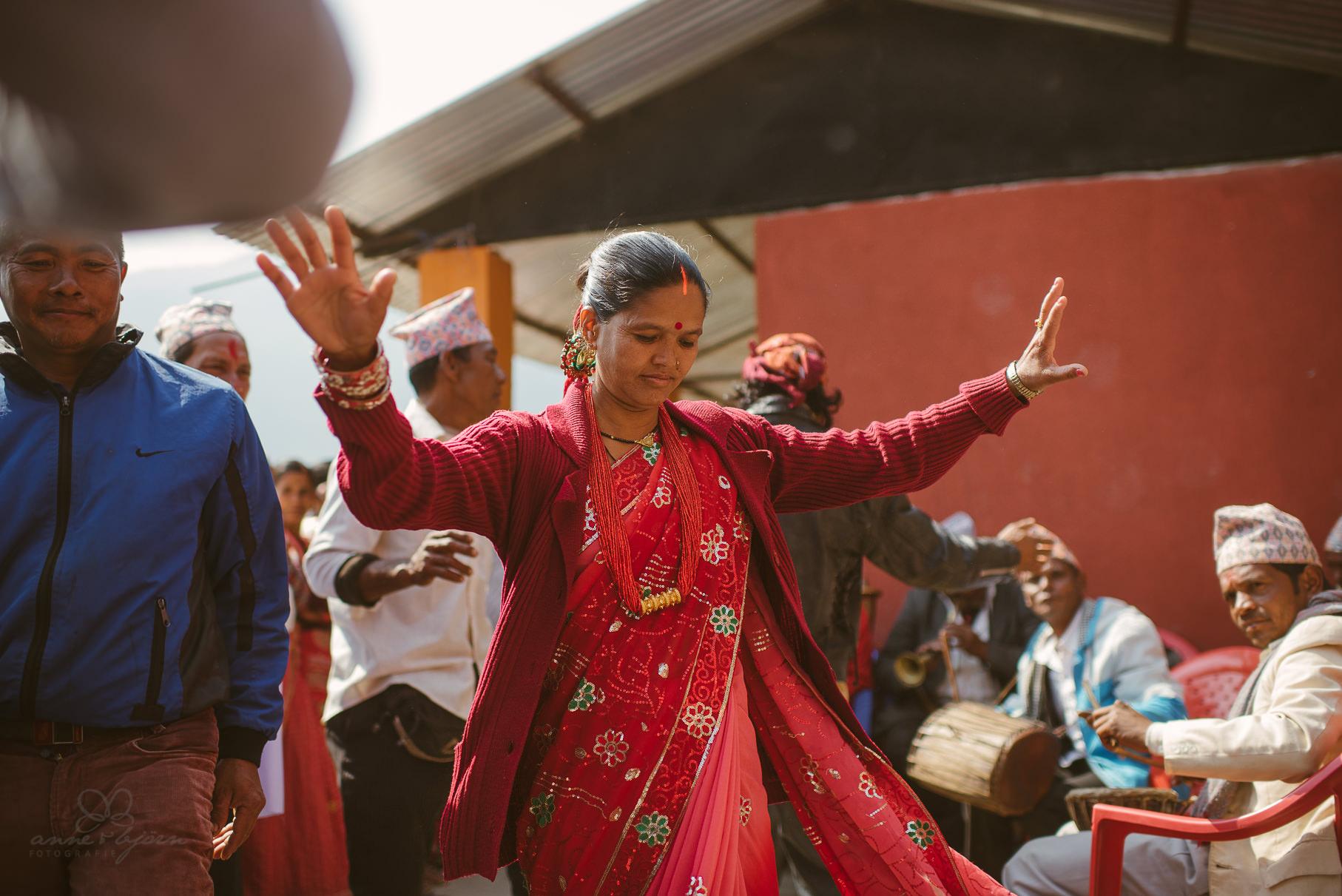 0018 anne und bjoern chitwan nationalpark nepal d75 3397 2 - Nepal Teil 3 - Roadtrip, Chitwan Nationalpark und eine spontane Hochzeit