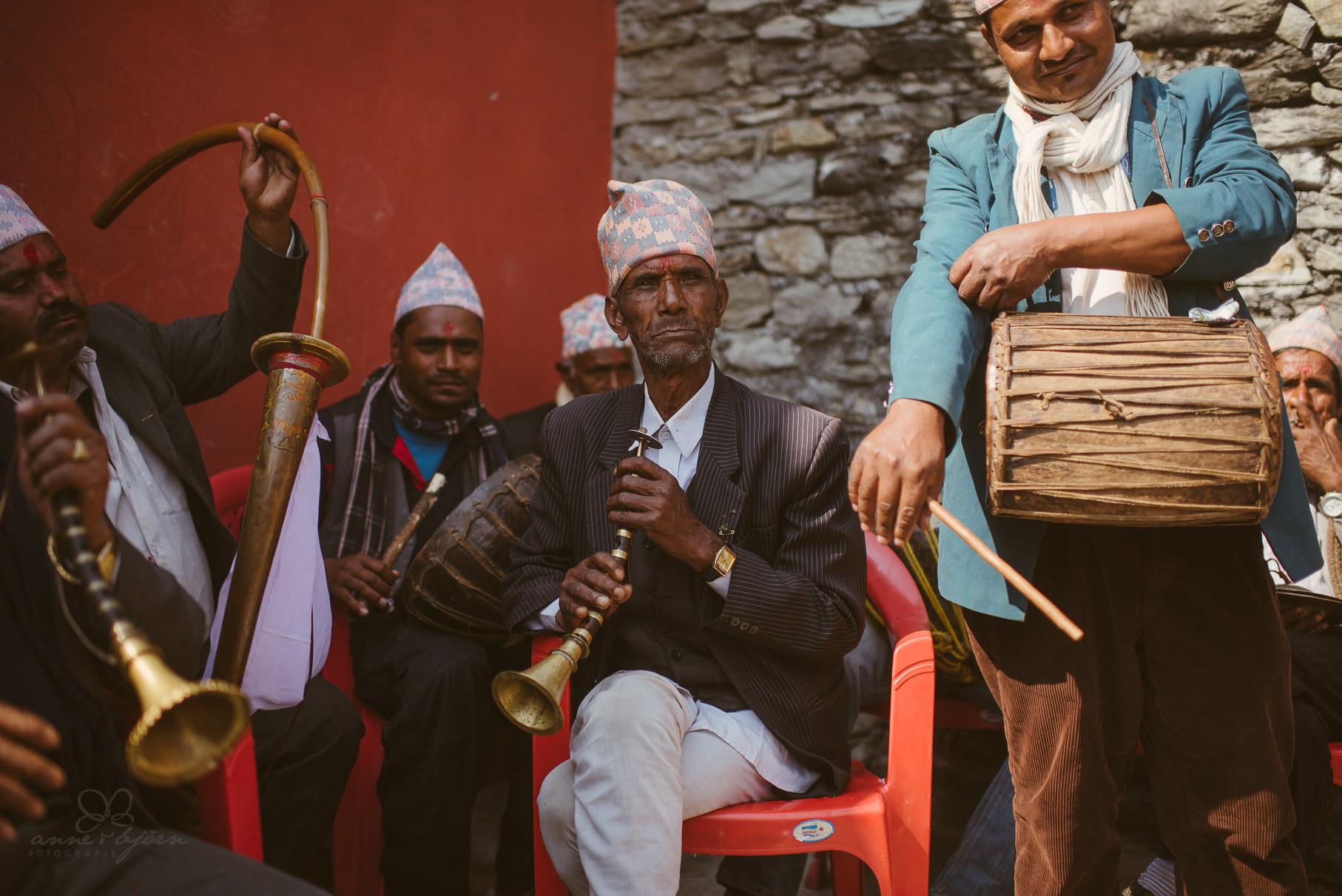 0019 anne und bjoern chitwan nationalpark nepal d75 3532 2 - Nepal Teil 3 - Roadtrip, Chitwan Nationalpark und eine spontane Hochzeit