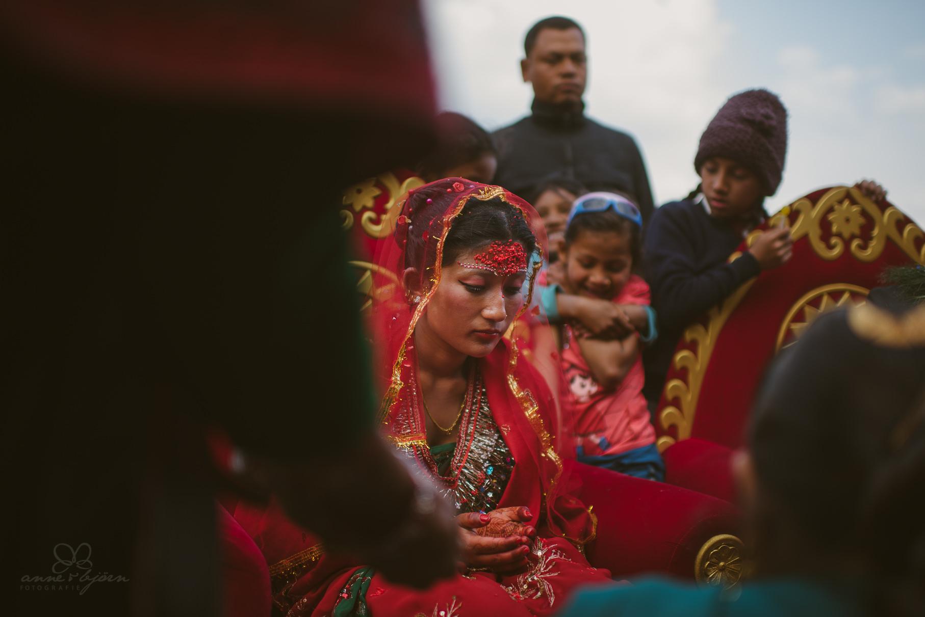 0030 anne und bjoern chitwan nationalpark nepal d75 3965 2 - Nepal Teil 3 - Roadtrip, Chitwan Nationalpark und eine spontane Hochzeit