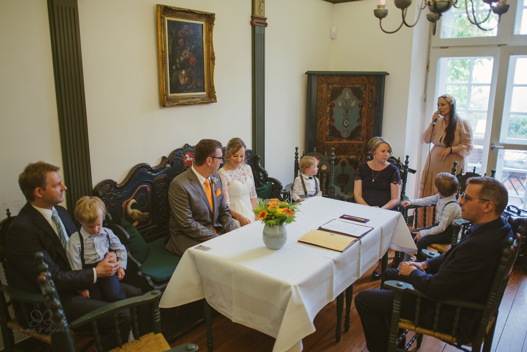 0056 anne und bjoern Manu und Sven D75 9622 1 - DIY Hochzeit im Erdhaus auf dem alten Land - Manuela & Sven
