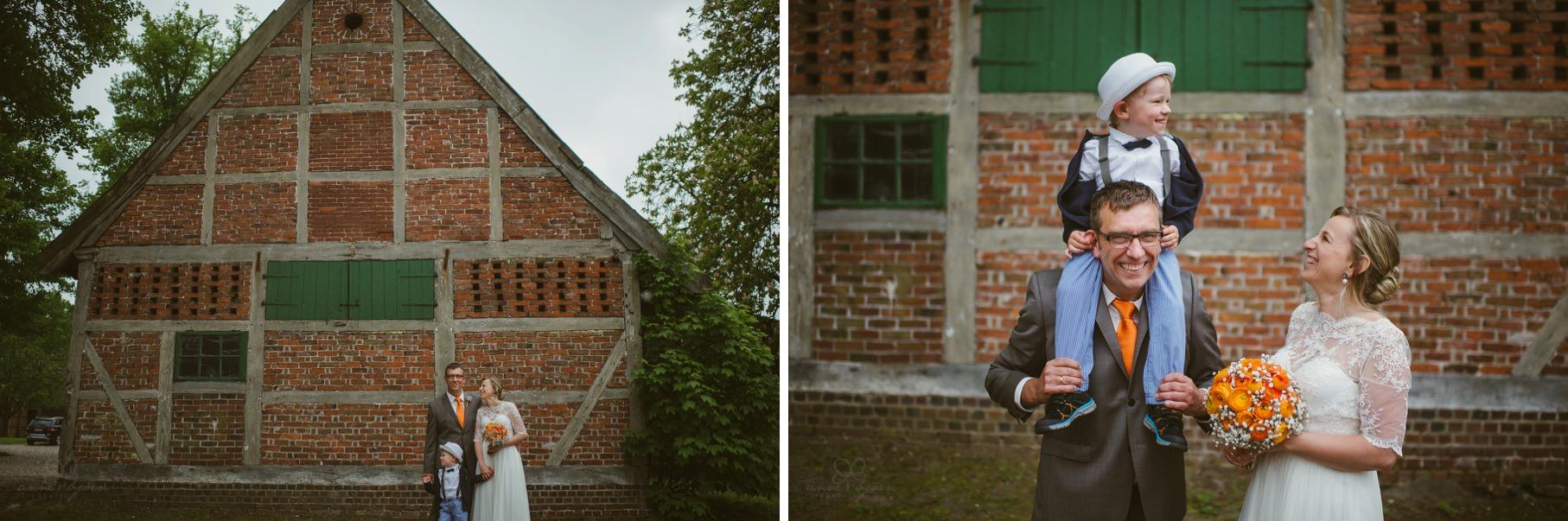 0085 anne und bjoern Manu und Sven D75 0145 2 - DIY Hochzeit im Erdhaus auf dem alten Land - Manuela & Sven