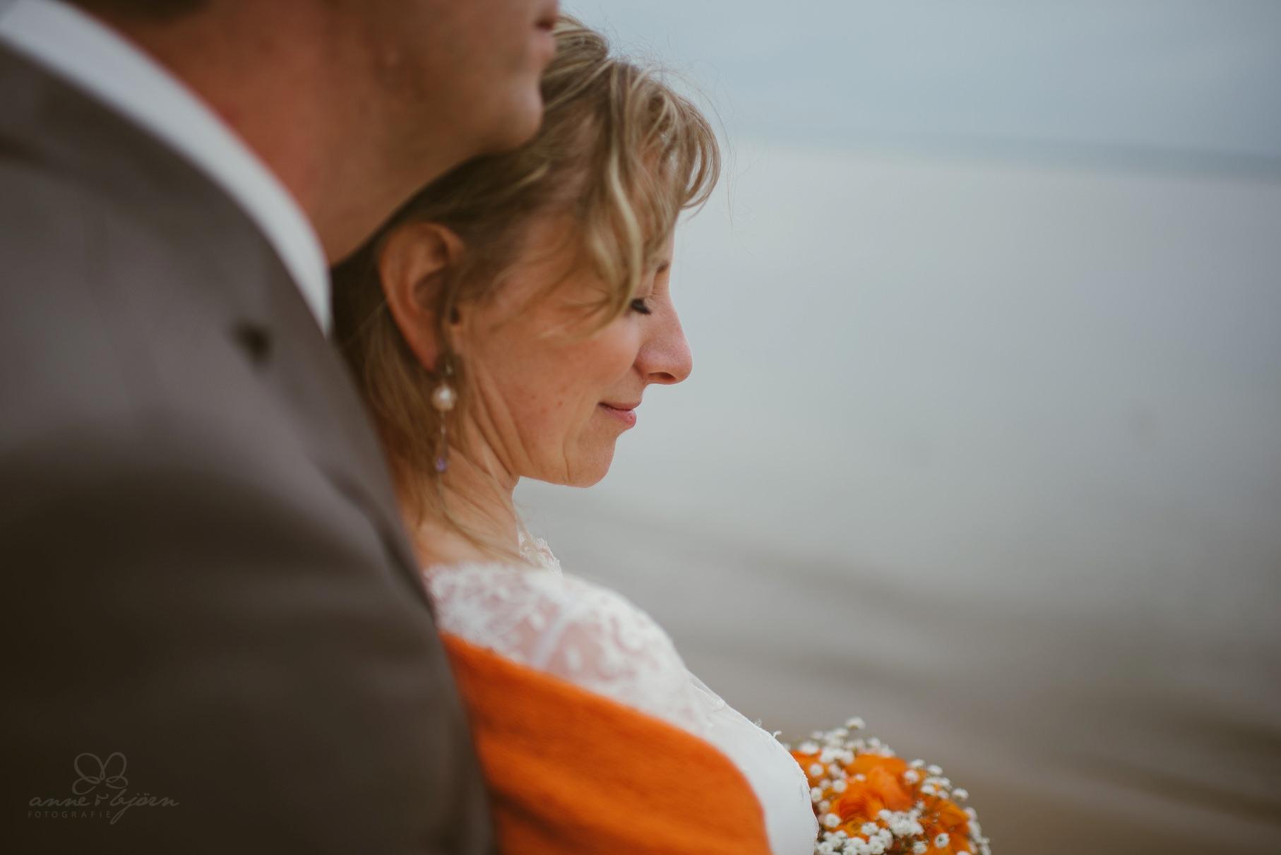 0102 anne und bjoern Manu und Sven D75 0555 1 - DIY Hochzeit im Erdhaus auf dem alten Land - Manuela & Sven