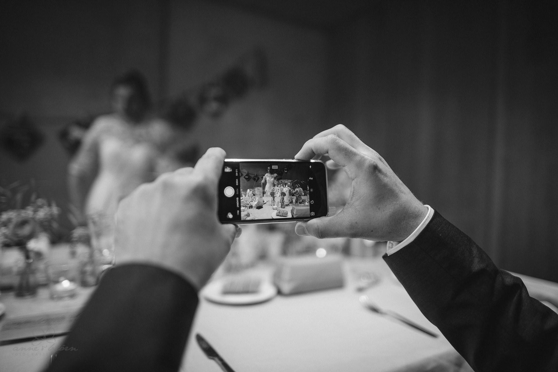0116 anne und bjoern Manu und Sven D75 0828 1 - DIY Hochzeit im Erdhaus auf dem alten Land - Manuela & Sven