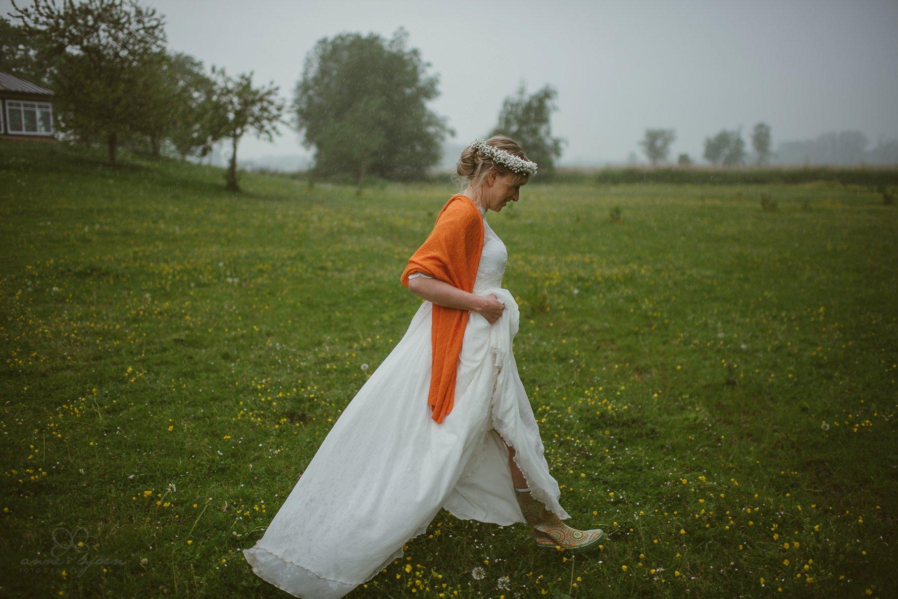 0124 anne und bjoern Manu und Sven D75 1073 1 - DIY Hochzeit im Erdhaus auf dem alten Land - Manuela & Sven