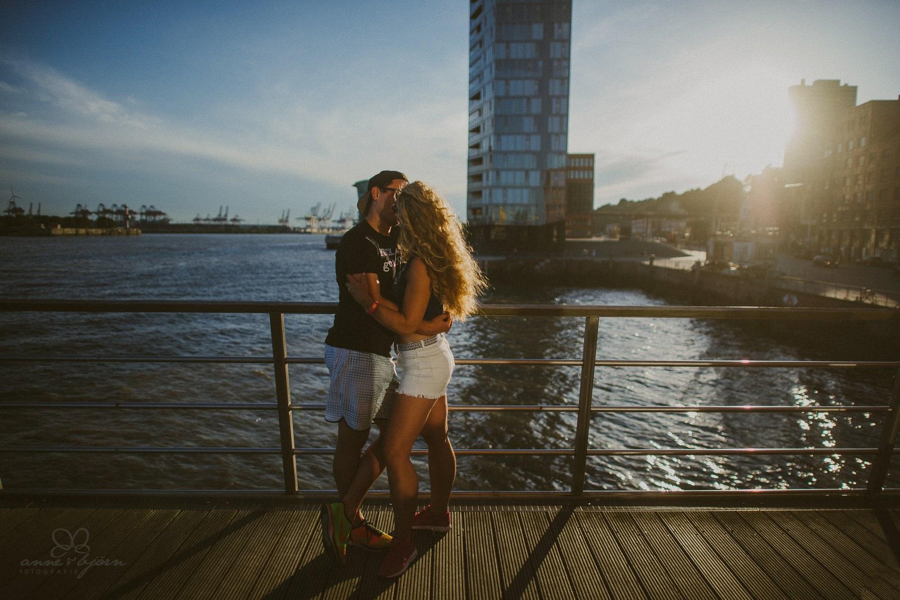 0026 dany und basti engagement hh d75 5084 bearbeitet - Sommerliches Verlobungsshooting in Hamburg - Dany & Basti