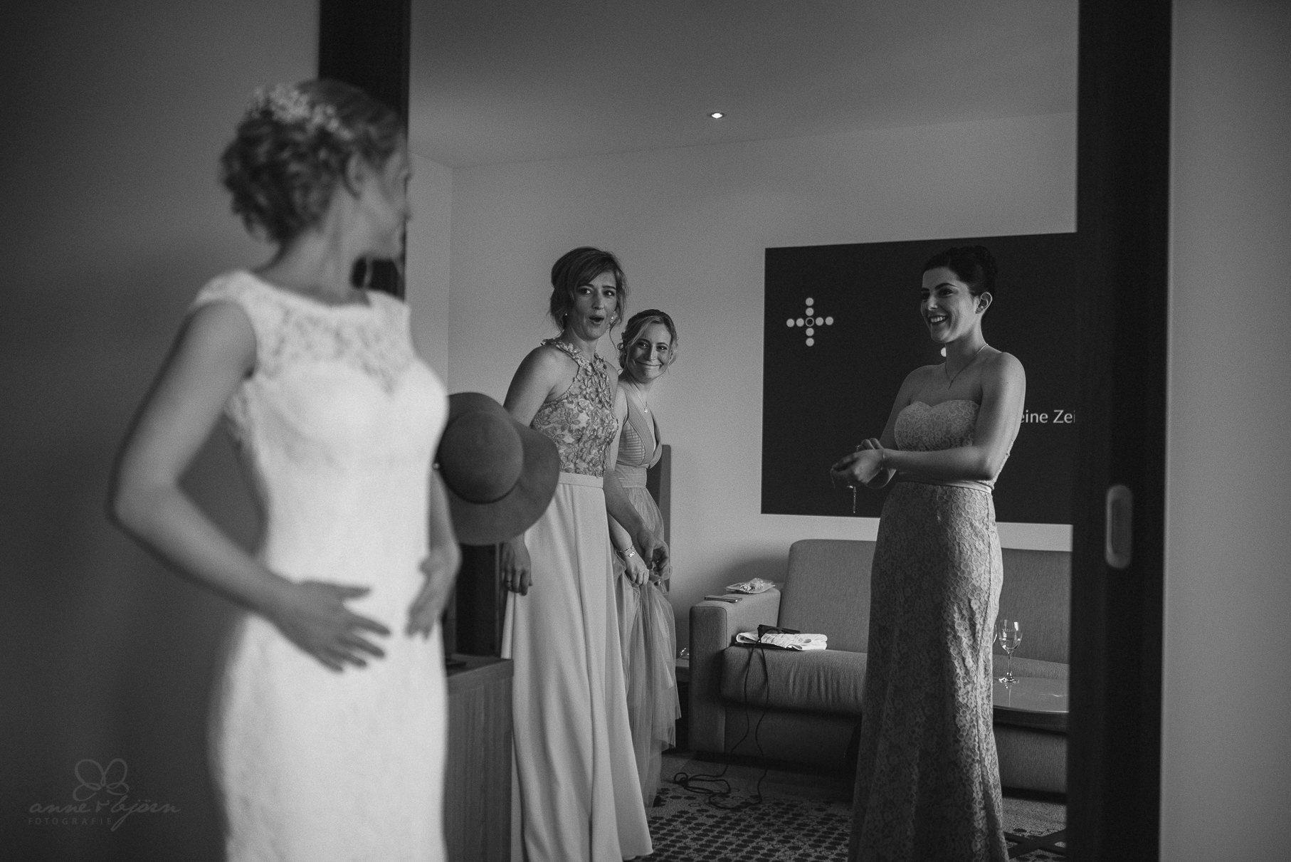 0024 anne und bjoern hochzeit schweiz d75 9622 - DIY Hochzeit in der Schweiz - Sabrina & Christoph