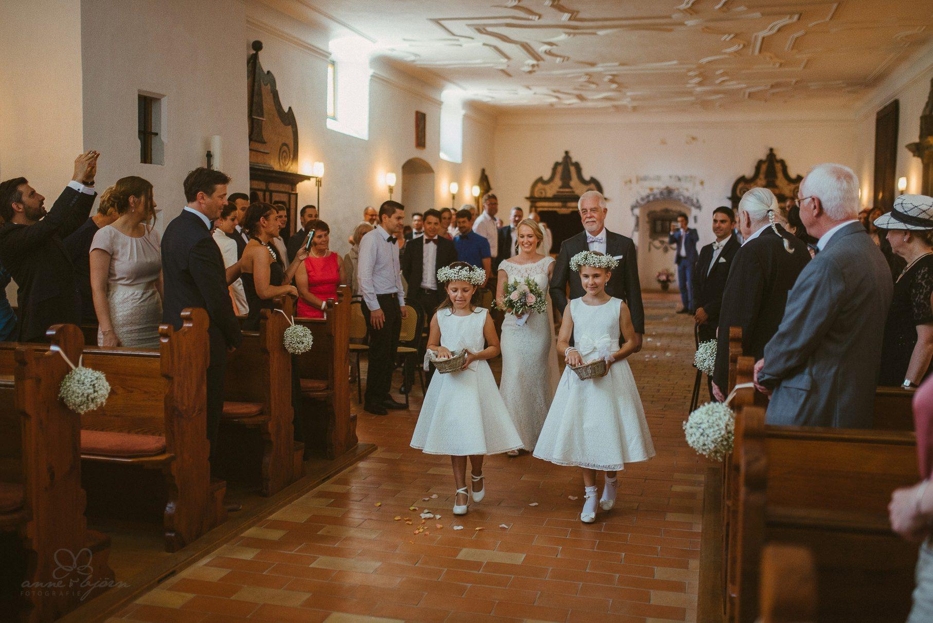 0039 anne und bjoern hochzeit schweiz d75 9961 - DIY Hochzeit in der Schweiz - Sabrina & Christoph