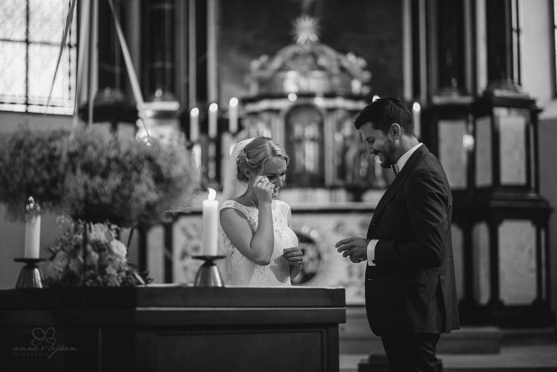0049 anne und bjoern hochzeit schweiz d75 0090 - DIY Hochzeit in der Schweiz - Sabrina & Christoph
