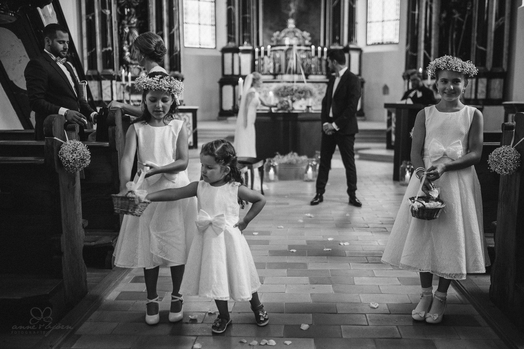 0053 anne und bjoern hochzeit schweiz d75 0183 - DIY Hochzeit in der Schweiz - Sabrina & Christoph