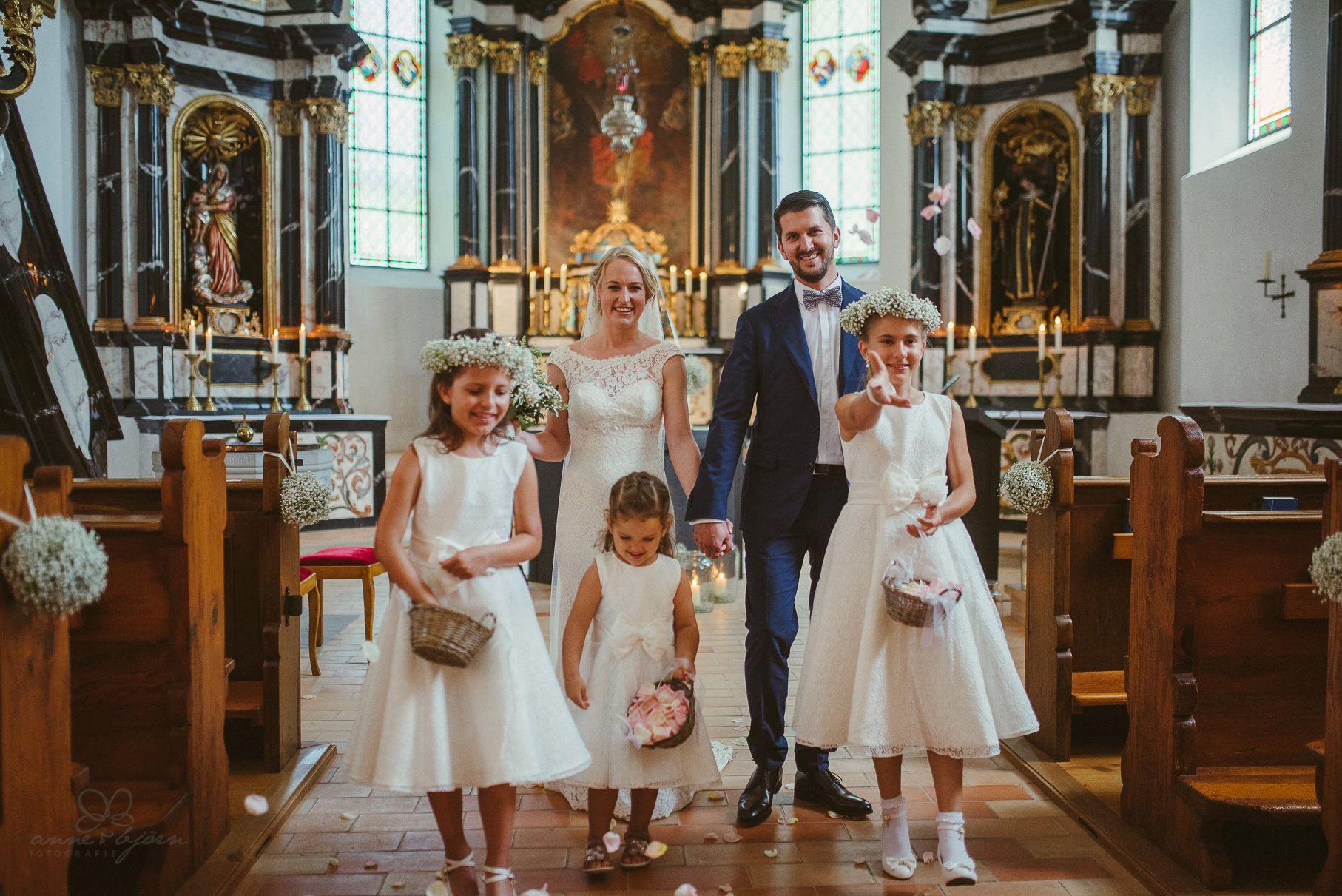0054 anne und bjoern hochzeit schweiz d75 0210 - DIY Hochzeit in der Schweiz - Sabrina & Christoph