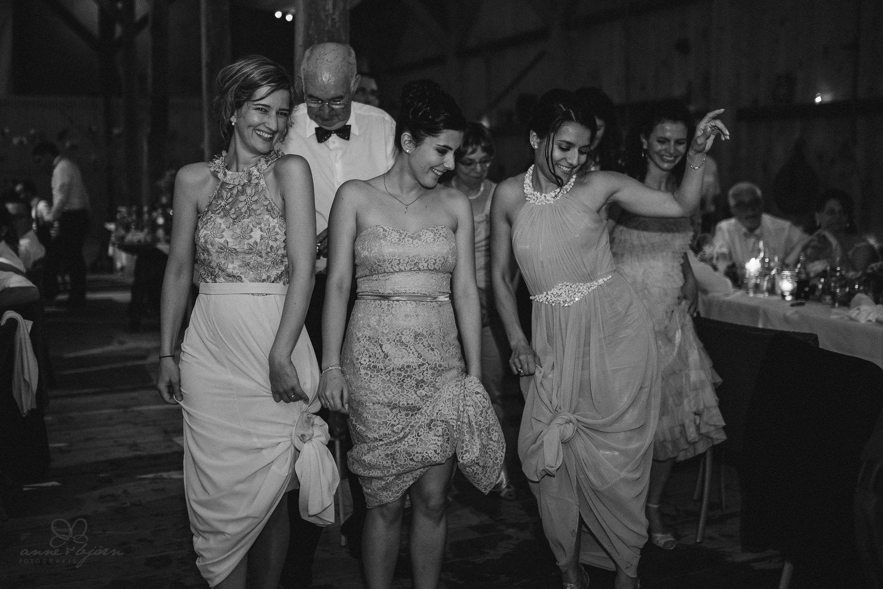 0144 anne und bjoern hochzeit schweiz d75 2461 - DIY Hochzeit in der Schweiz - Sabrina & Christoph