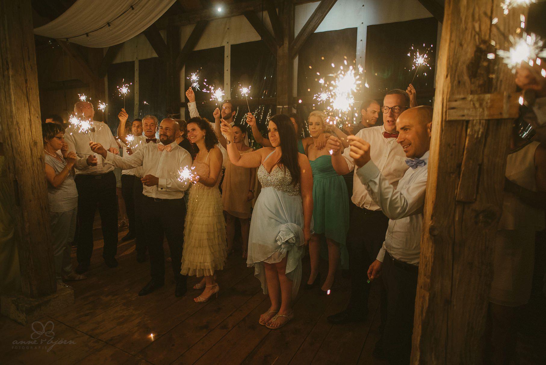 0147 anne und bjoern hochzeit schweiz d75 2560 - DIY Hochzeit in der Schweiz - Sabrina & Christoph