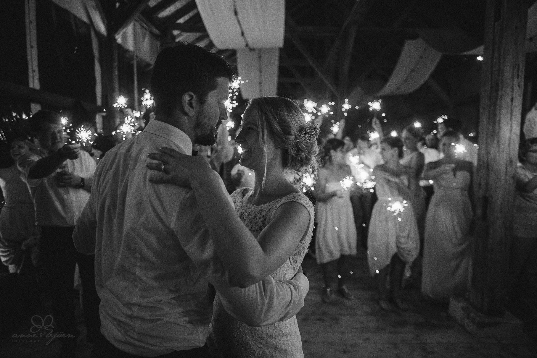 0149 anne und bjoern hochzeit schweiz d75 2563 - DIY Hochzeit in der Schweiz - Sabrina & Christoph