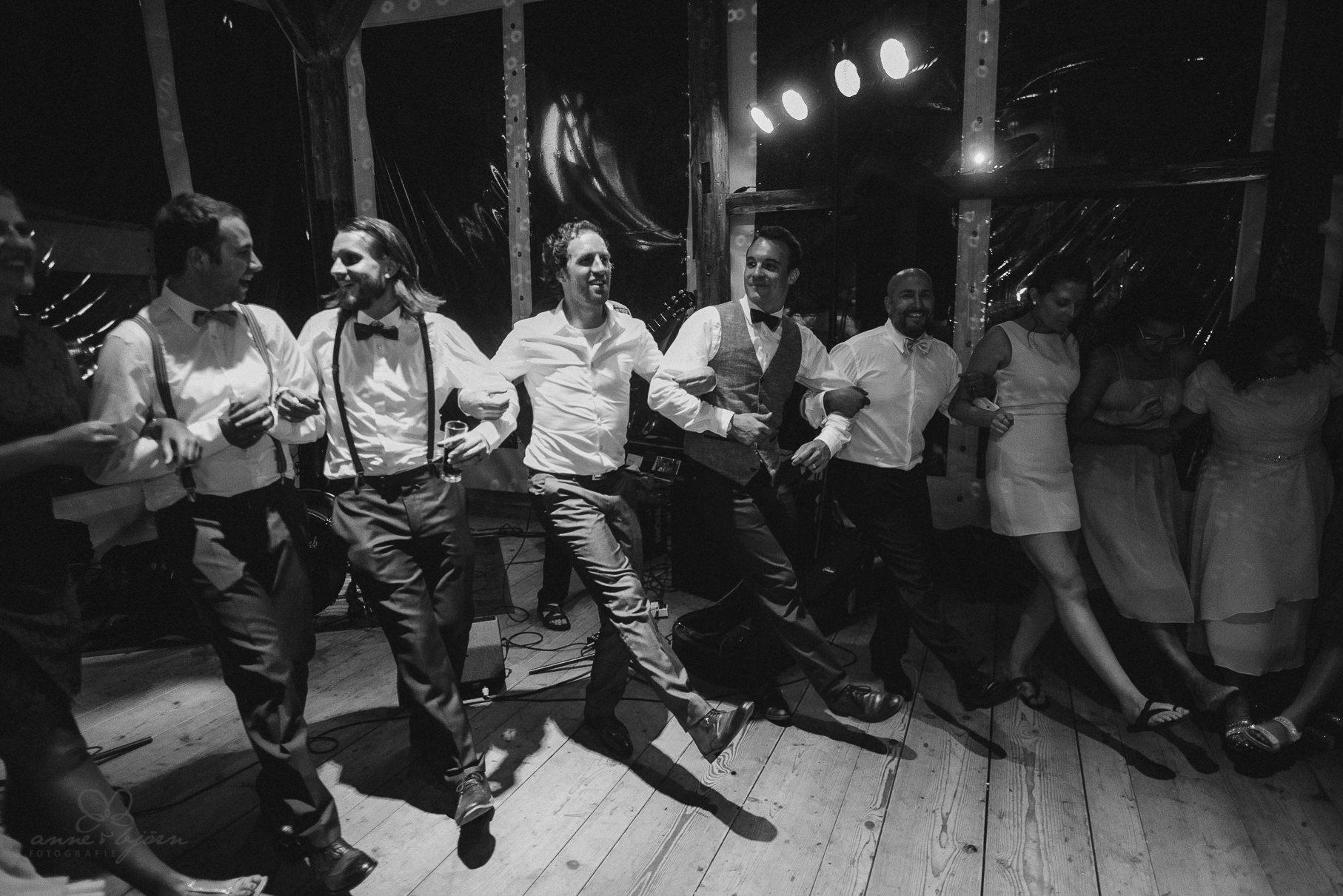 0150 anne und bjoern hochzeit schweiz d75 2650 - DIY Hochzeit in der Schweiz - Sabrina & Christoph