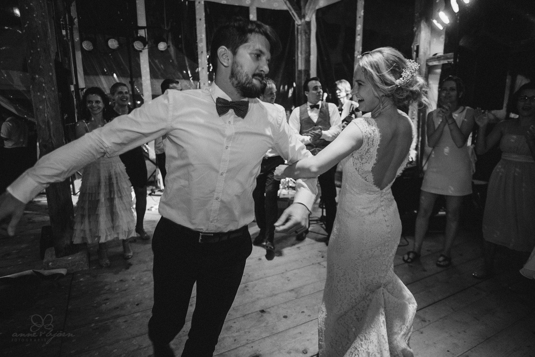 0151 anne und bjoern hochzeit schweiz d75 2664 - DIY Hochzeit in der Schweiz - Sabrina & Christoph