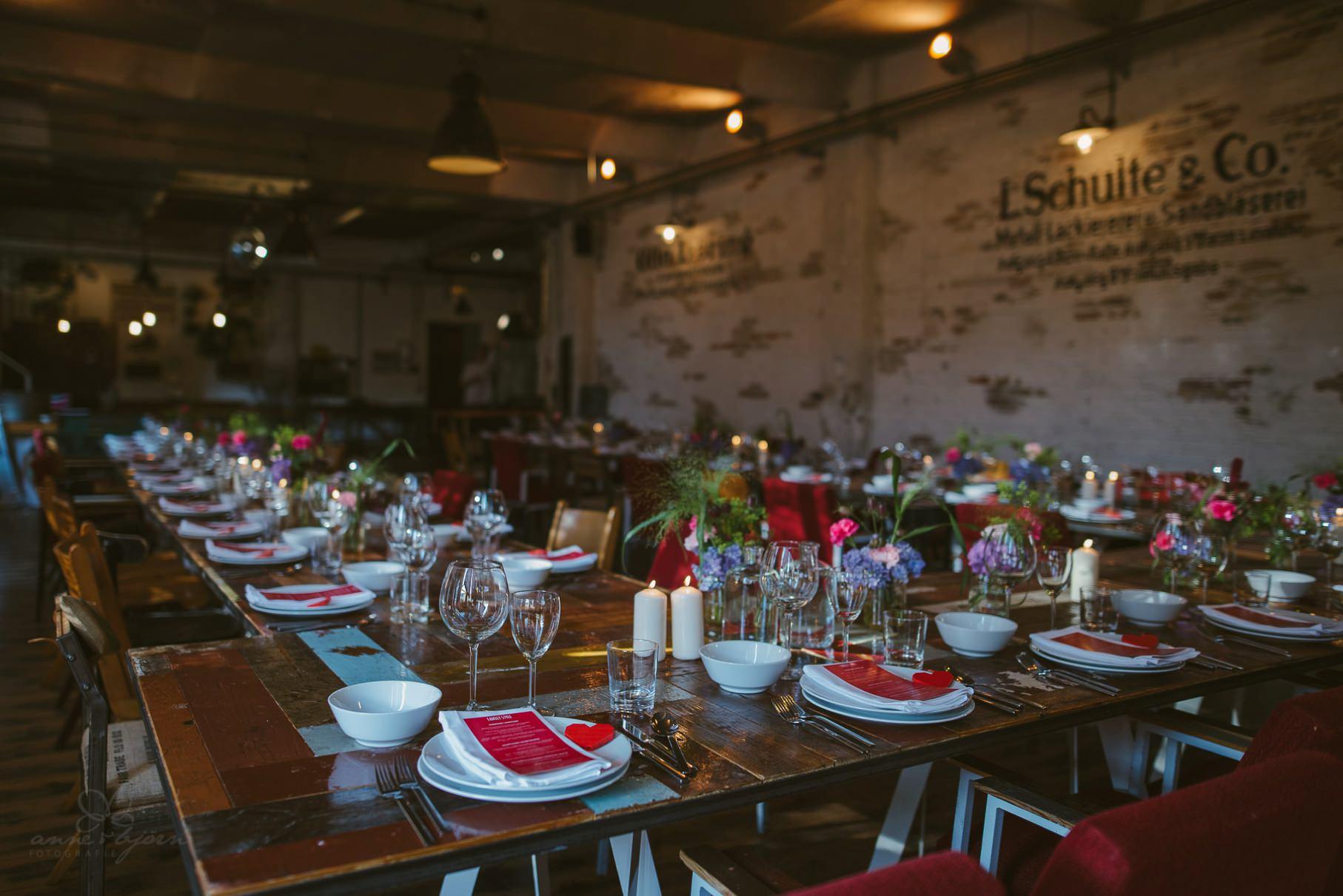 0058 sylwiaundchris d76 4087 - Bunte DIY Hochzeit in der Fabrik 23 - Berlin