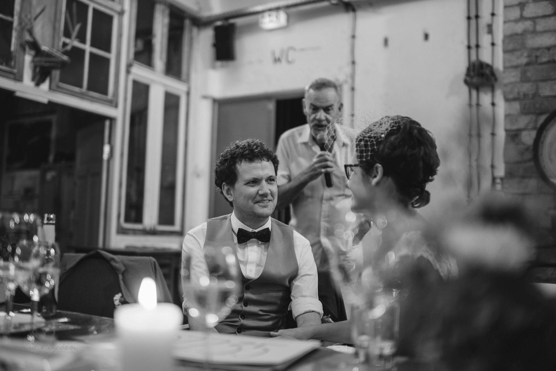 0089 sylwiaundchris d76 5291 - Bunte DIY Hochzeit in der Fabrik 23 - Berlin