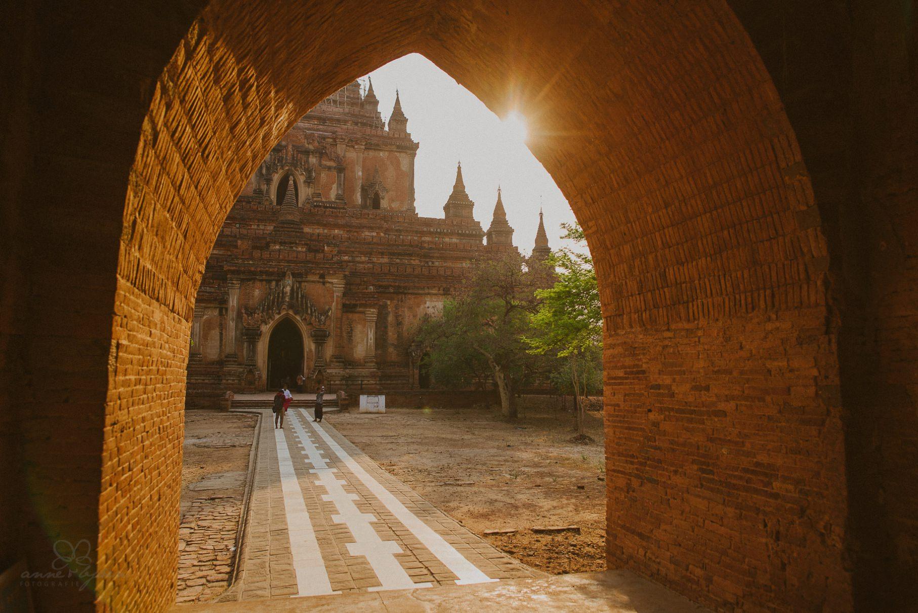 0014 bagan ngwesaung d76 7759 1 - Tempelstadt Bagan & tauchen am Ngwesaungbeach
